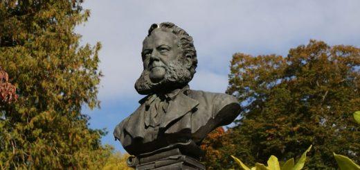 Bust of Henrik Ibsen